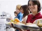 Unsere Schulverpflegung von Pari proJob ermöglichst ein gesundes und abwechslungsreiches Mittagessen